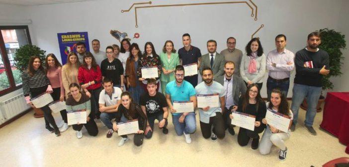 Entrega de diplomas de participación en Erasmus +