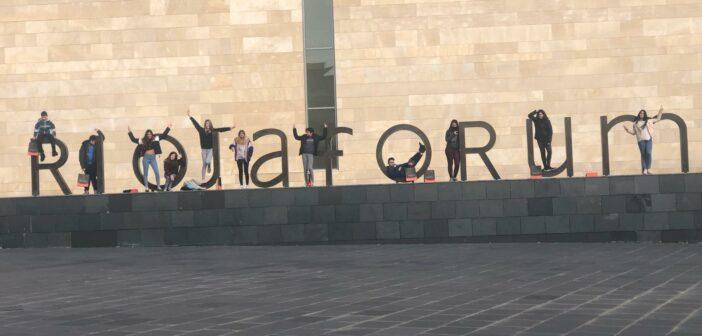Visita al Riojafórum de los alumnos de apoyo